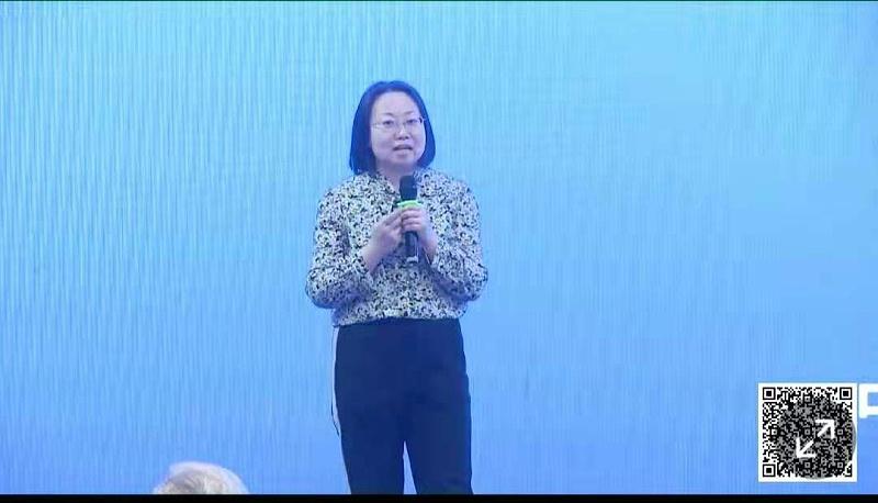 13、泓宝科技总裁办主任赵一峰女士《绿农优选助推现代农业绿色发展》主题分享